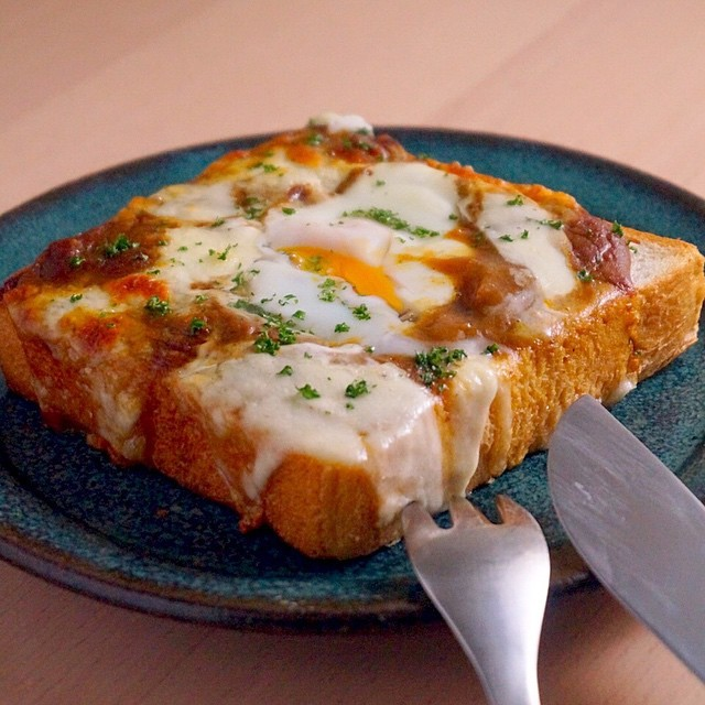 焼きチーズカレートースト