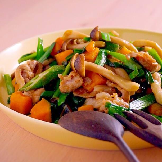 豚肉と夏野菜のにんにく醤油炒め