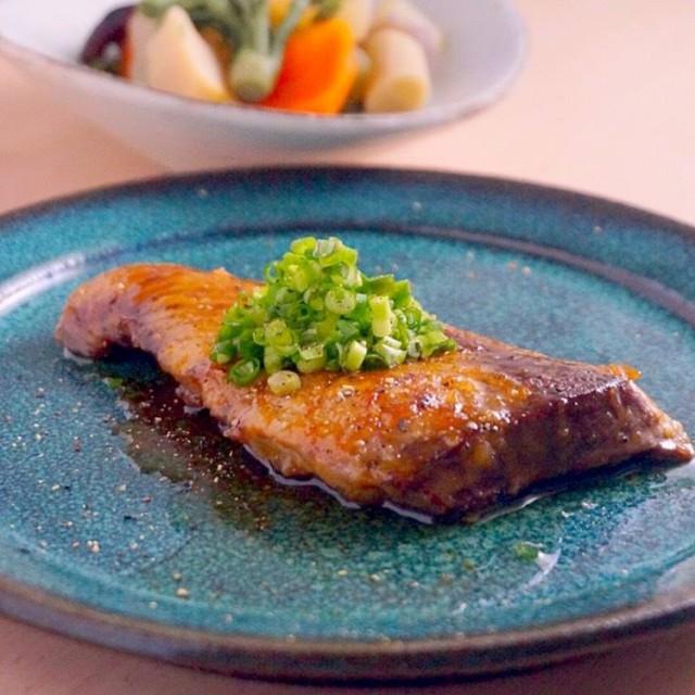 ぶりの柚子胡椒バター醤油焼き