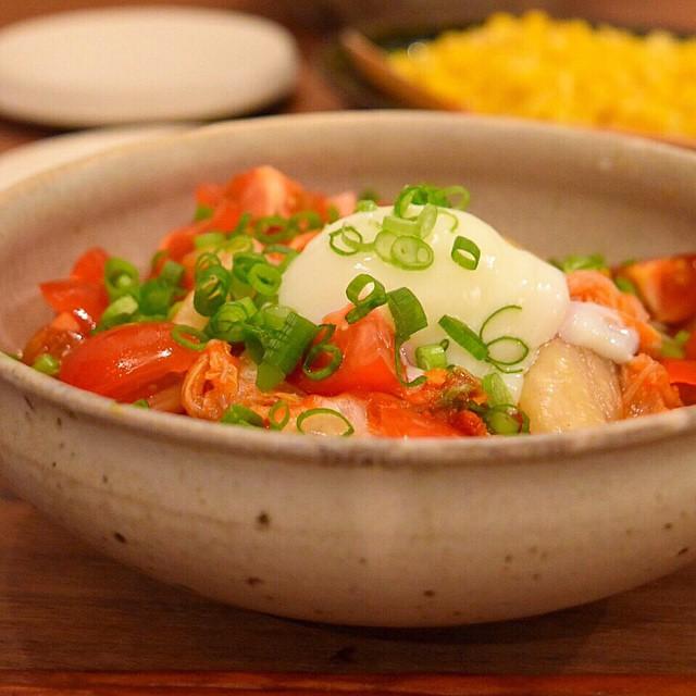 温玉のせぶっかけキムチトマト蕎麦