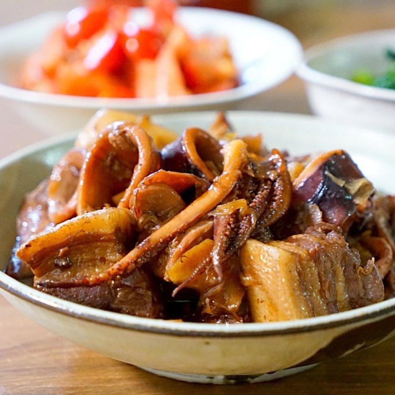 豚ばら肉とイカの煮物