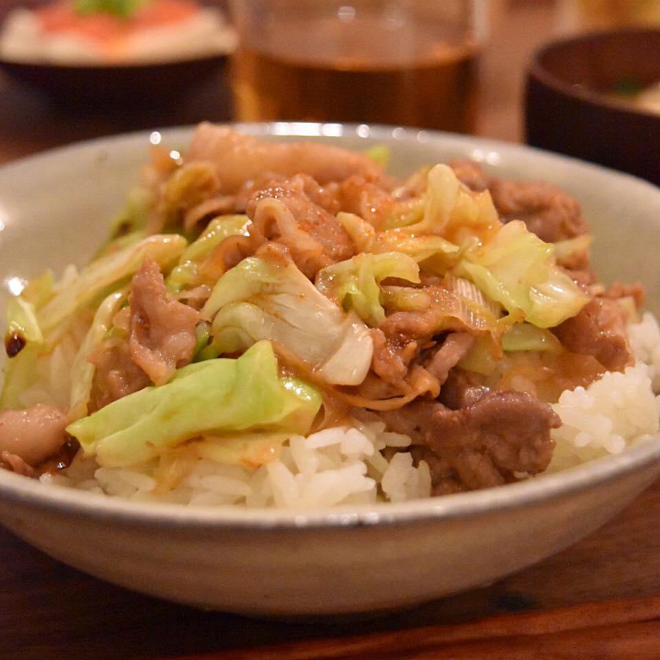 味噌豚肉キャベツ丼