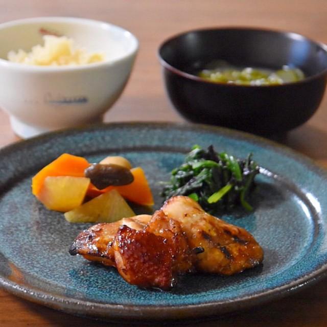 こんがり鶏肉とお野菜たっぷりの献立