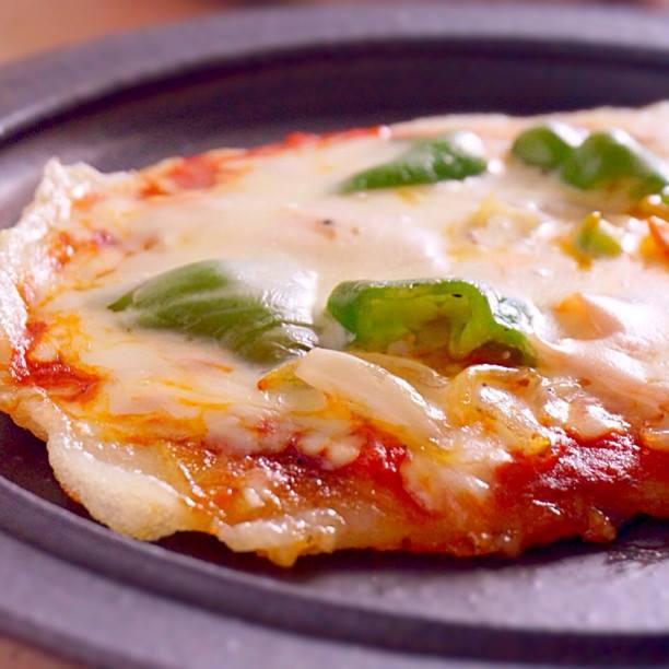 お正月のお餅が余ったら…フライパンで餅ピザ