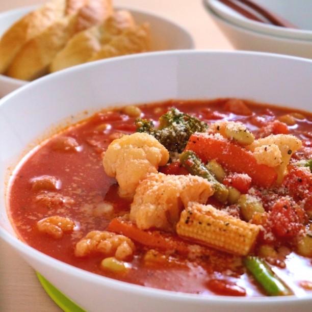 包丁も火も使わずにレンジで簡単スープ!お野菜ごろごろミネストローネ
