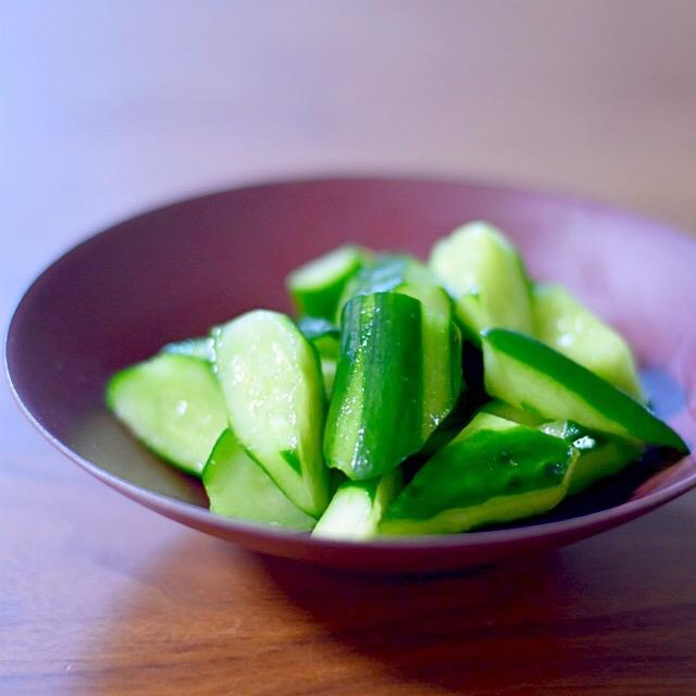 日持ちするサラダ!きゅうりの浅漬けのつくり方